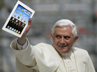 Pope ipad