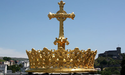 Catholic bling for children - a golden crown, what's not to like?